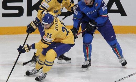 Zviedrijai drošs panākums PČ spēlē pret Itāliju