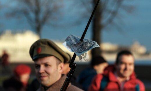 Baidoties no Rietumu sankcijām, Krievijas elite steidz atgriezt naudu dzimtenē