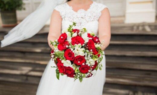Vasaras krāšņums fotogrāfijās: lasītāji dalās ar līgavas pušķu attēliem