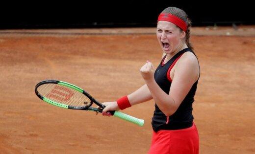 Ostapenko iekļūst Romas turnīra ceturtdaļfinālā un pirmo reizi tiksies ar Šarapovu