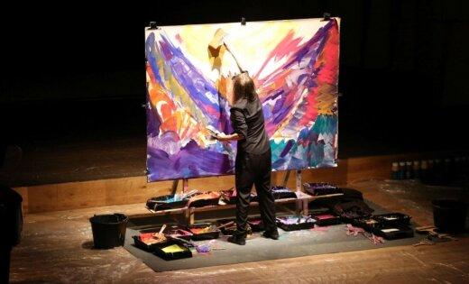 Pasaules radīšana katrā notī. Performances 'Musicpainting/Live' recenzija