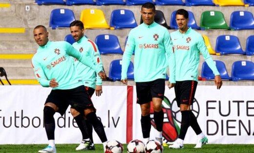 Сегодня сборная Латвии играет в Риге с чемпионами Европы и Роналду