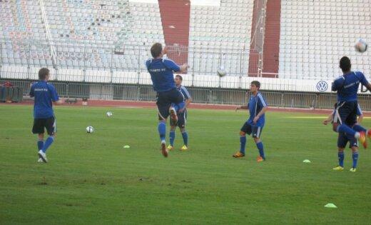 'Skonto' un 'Gulbenes' futbolistiem pārliecinošas uzvaras Latvijas kausa astotdaļfināla mačos