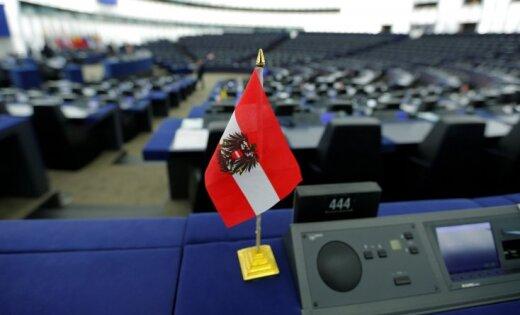 Ziemeļāfrikas migrantu centru lietā ES pāragri padevusies, paziņo Austrija