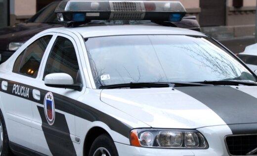 Autovadītājs 4,38 promiļu reibumā ar trīs bērniem iekļūst avārijā