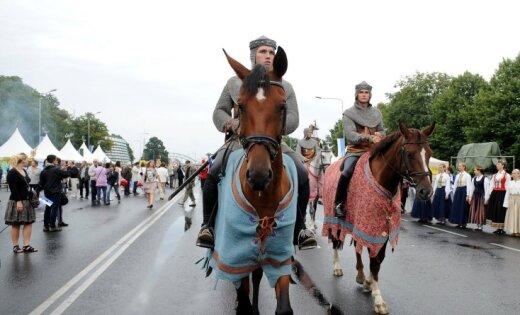 Fotoreportāža: Rīgā turpinās svinības