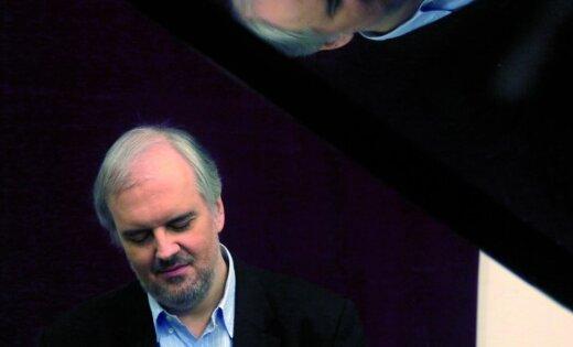 Kopā ar LNSO uzstāsies pasaulslavenais pianists Nikolass Angeličs