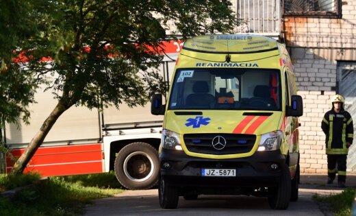 Pieci katamarāna negadījumā cietušie turpina ārstēšanos intensīvās terapijas nodaļās