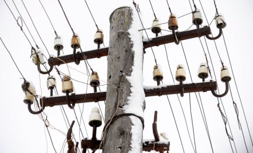 Bez elektrības Madonas un Balvu apkaimē pirmdien daži simti mājsaimniecību