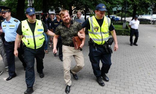 """Полиция задержала основателей """"Лиги узников совести Латвии"""""""
