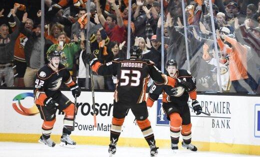 «Эдмонтон» разгромил «Анахайм» иперевел серию плей-офф НХЛ врешающий матч