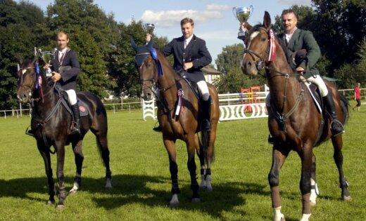 Kleistos notiks Latvijas čempionāts jāšanas sportā šķēršļu pārvarēšanā