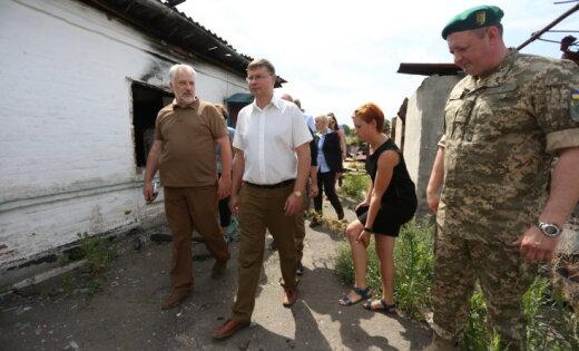 Dombrovskis pēc vizītes Donbasā: teritorijā ir nopietnas infrastruktūras problēmas