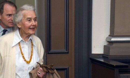 ВГермании заотрицание Холокоста приговорили ктюремному сроку 88-летнюю немку