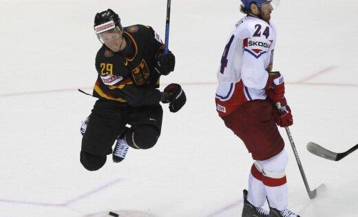 Čehijas hokejisti nemazina ātrumu arī spēlē pret Vāciju