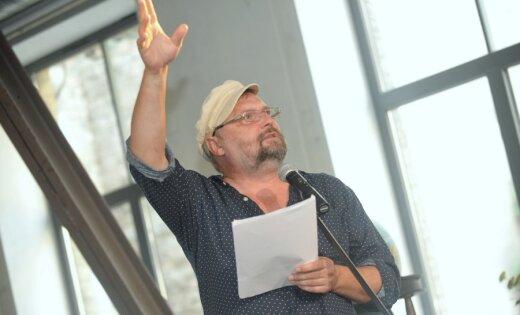 Valkā notiks izcilā dzejnieka Pētera Brūvera atceres pasākums