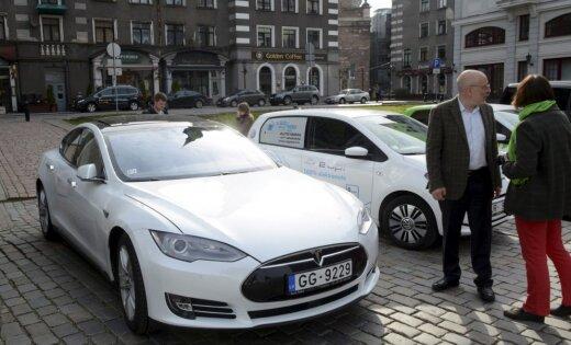 Nākamnedēļ Rīgā notiks elektrisko transportlīdzekļu saiets