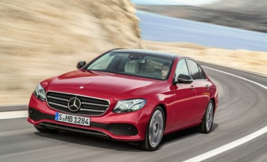 'Mercedes' pērn apsteidzis BMW kā lielākais luksusa auto ražotājs