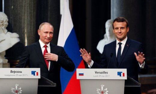 Makrona un Putina saruna bijusi 'vaļsirdīga', pauž Francijas prezidents