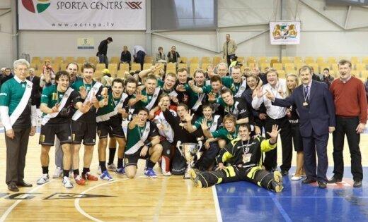 'RTU/Inspecta' uzvar un kļūst par 'EuroFloorball Cup' apakšgrupas uzvarētājiem