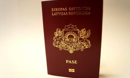 http://g2.delphi.lv/images/pix/520x315/uHXaCU8WekE/jauna-parauga-latvijas-pilsonu-pases-6-45511610.jpg