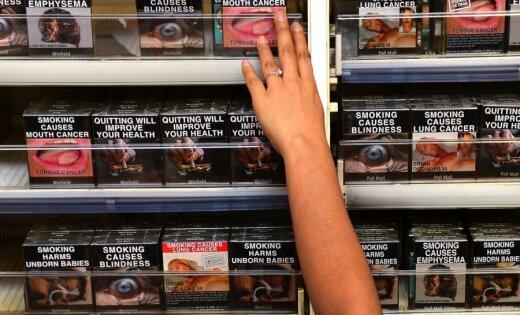 Комиссия Сейма одобрила идею убрать с прилавков все сигареты, вейпы и табак