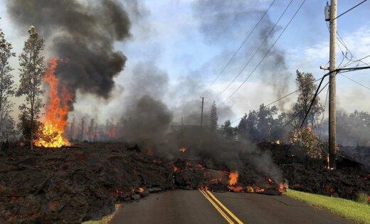 На Гавайях извергаeтся вулкан Килауэа — потоки лавы уничтожили десятки домов