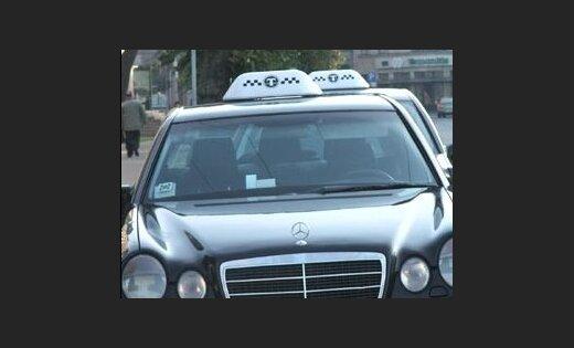 Идет передел сфер влияния на таксомоторном рынке