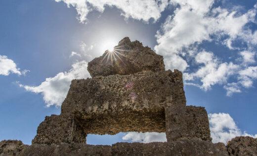 История иммигранта из Латвии, чей замок почти сто лет удивляет мир