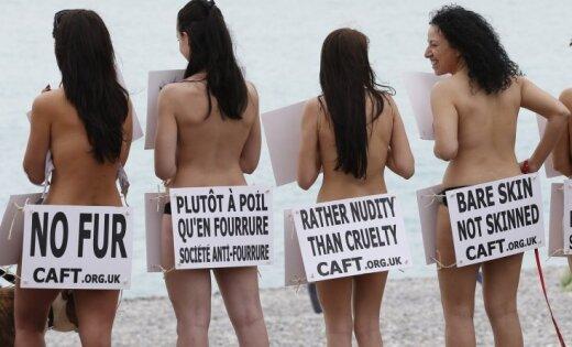 Pliki franči protestē pret zvēru kažokiem