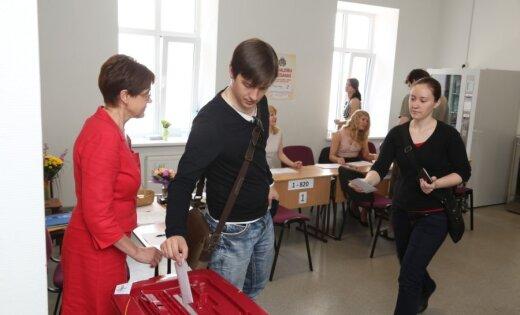 Pašvaldību vēlēšanās varētu balsot jau no 16 gadu vecuma, piedāvā Reģionu apvienība