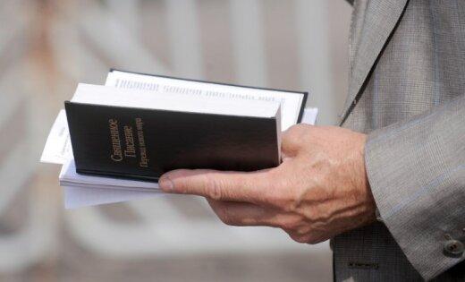 Krievijas tiesa atstāj spēkā Jehovas liecinieku aizliegumu