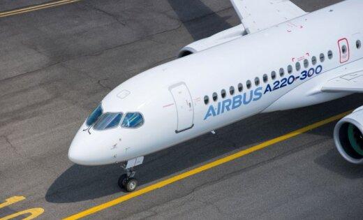 Foto: 'Bombardier' 'C-Series' lidmašīnas pārdēvētas par 'Airbus A220'