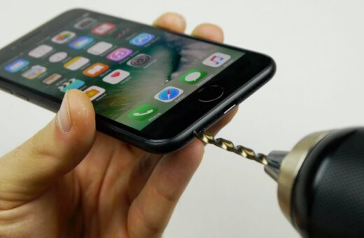 ВИДЕО: Как самому сделать разъем для наушников в Apple iPhone 7