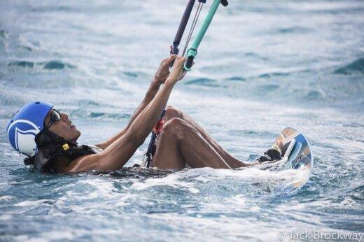 """""""Я свободен""""! Появились первые фотографии с отдыха Барака Обамы на райских островах"""