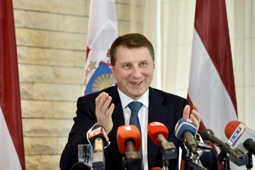 Хорошо иметь домик в деревне! Топ-15 гостей Юрмальской резиденции президента Латвии