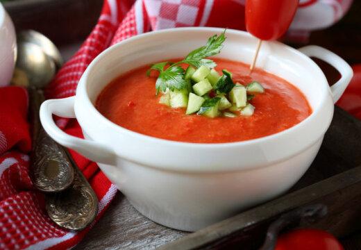 Новые рецепты: Пять холодных супов для жаркого лета