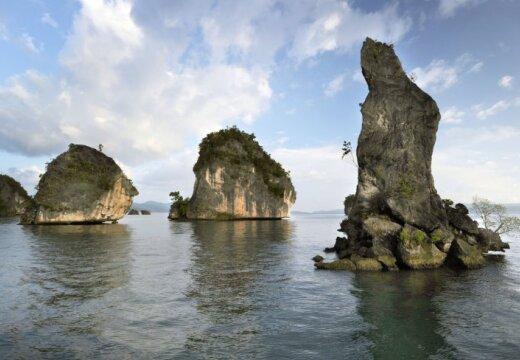Иван 16 месяцев скитался на лодке по Тихому океану