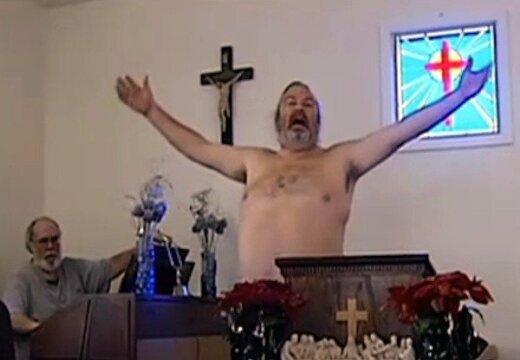 ASV kails mācītājs arī draudzi aicina izģērbties