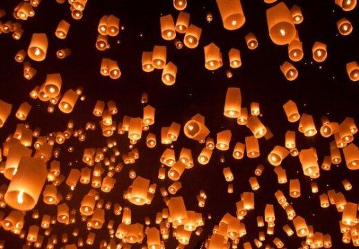 Flyvende lanterner papir