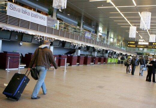 Латвию покинули 22 тысячи человек, иммиграция выросла (уточнено)