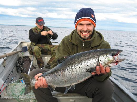 ловля лосося в карелии на озерах