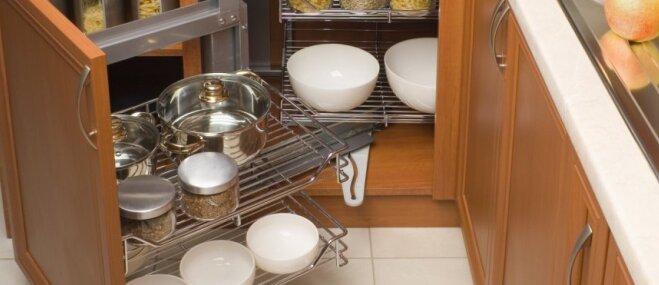 Stūra plaukti virtuvē: kā tos praktiski un ērti izmantot