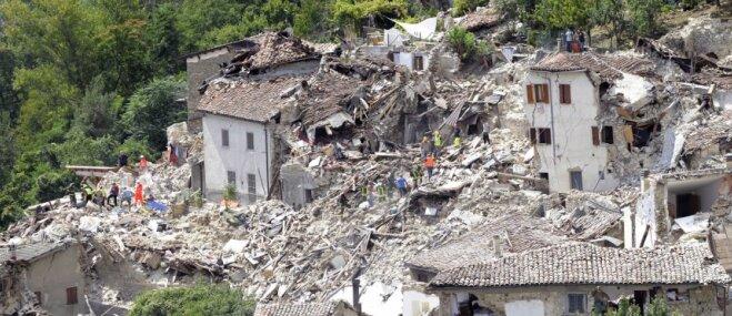 32 dienas pēc zemestrīces Itālijā no gruvešiem izglābts kaķītis
