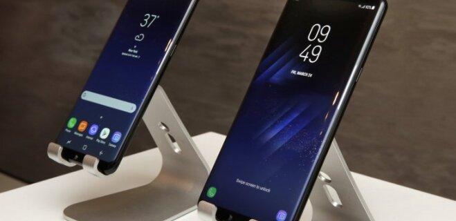 """Горячие новинки Samsung: """"Безрамочный"""" Galaxy S8, док-станция DeX, mesh-рутер и другие"""