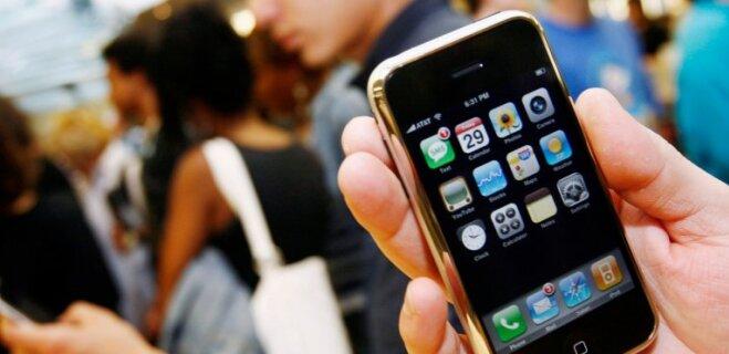 Юбилей: 10 лет назад на рынок вышел первый iPhone