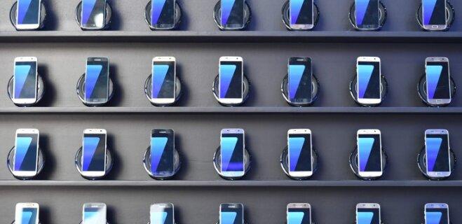 Названы самые ремонтопригодные смартфоны 2016 года