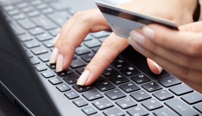 Iedzīvotāji ārvalstu interneta veikalos tērē trīskārt vairāk nekā vietējos