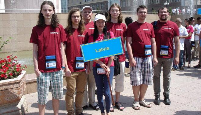 Латвийские школьники завоевали золото на Всемирной олимпиаде по информатике