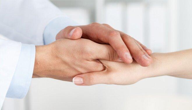 Mazie pacienti: mediķu uzdevums ir atrast vecākos domubiedrus